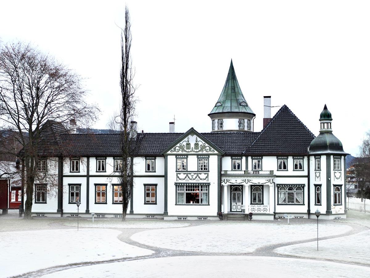 Bårdshaug Herregård fra forsiden