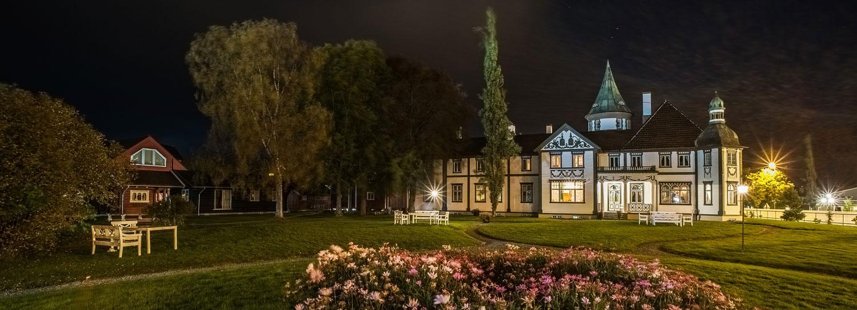SOmmerkveld Bårdshaug Herregård